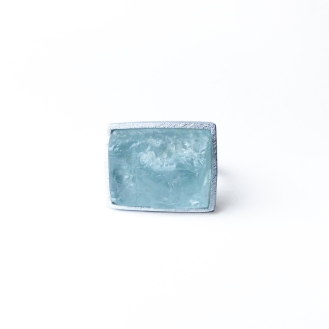 Anillo pieza única, de plata y aguamarina